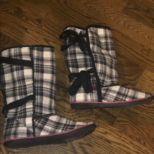 Sugar brand boots.